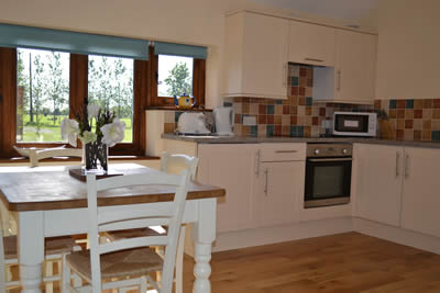 Lamb Farm Holiday Cottages - Ox Cottage Kitchen